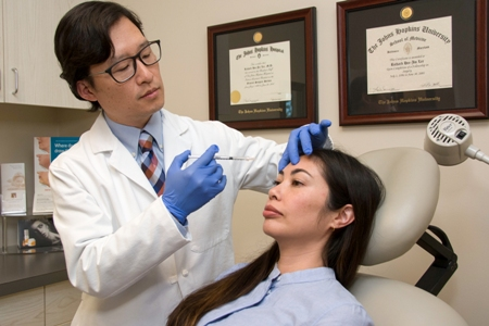 Dr. Richard Lee performing BOTOX Cosmetic injection - Newport Beach injectables